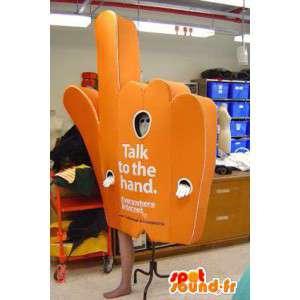 Mascote laranja em forma de mão. carrega o traje