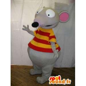 Šedá myš maskot oblečený v tričku žluté a červené