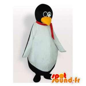 Mascotte pinguino con una sciarpa e gli occhiali