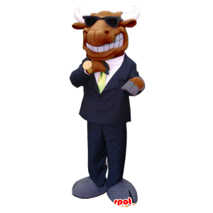 Maskot los, karibu hnědé, oblečený v obleku a kravatě
