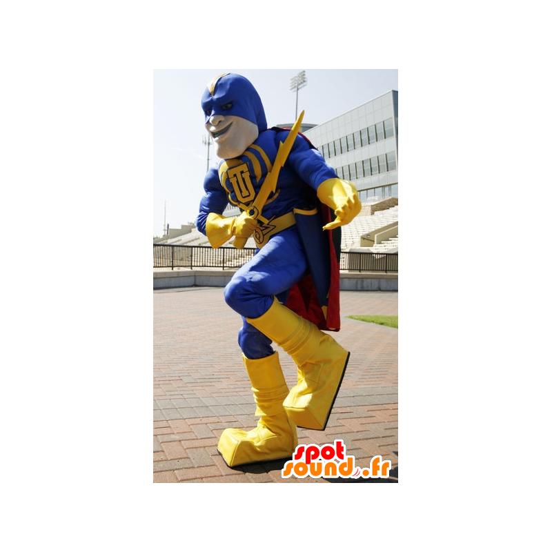 Superheld mascotte houdt geel en blauw, met een cape - MASFR21508 - superheld mascotte