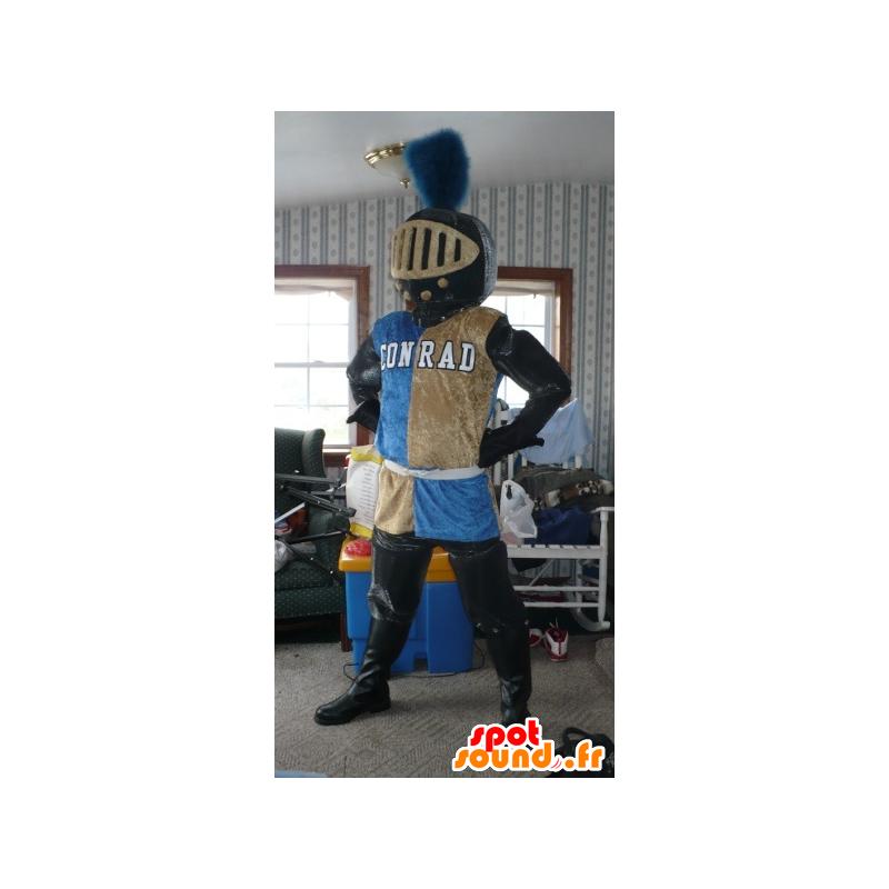 Mascot caballero de color con los auriculares - MASFR21764 - Mascotas de los caballeros