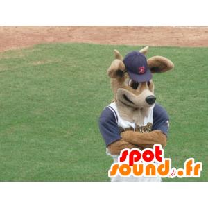 Mascotte doe, brown deer in sportswear - MASFR21809 - Mascots stag and DOE