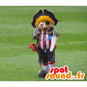 Blond mascote do pirata com uma roupa e um chapéu de esportes