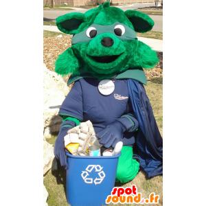 Grønn rev maskoten kledd i superhelt kostyme