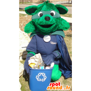 Green fox maskot oblečená v kostýmu superhrdiny