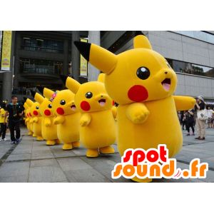 Mascot Pikachu, berühmte Zeichentrickfigur