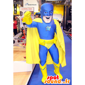 Superhrdina maskot v modré a žluté kombinaci
