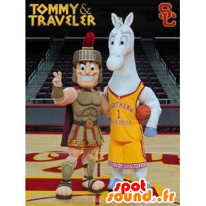 2 mascotte, un gladiatore, un romano e un cavallo grigio