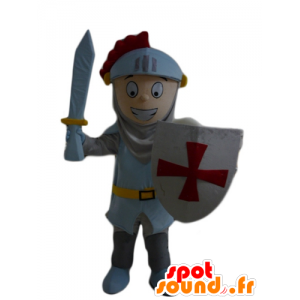 Chłopiec maskotka, rycerz z hełmem i tarczą