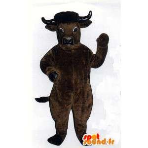 Brązowa krowa maskotka. realistyczny kostium krowa