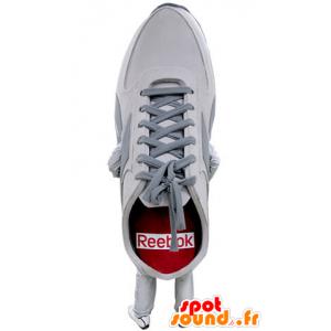 Mascot weißen Schuh, rot und grau. Mascot Basketball - MASFR031398 - Maskottchen von Objekten