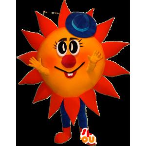 Sol mascote vermelho e amarelo com um chapéu azul - MASFR032358 - Mascotes não classificados