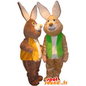 2 mascotas de conejos marrones y blancos con chalecos de colores - MASFR032496 - Mascota de conejo