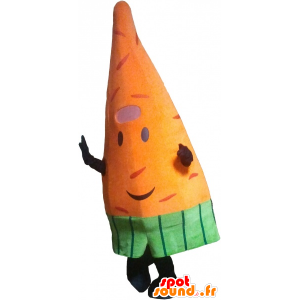 Mascot orange giant carrot. vegetable mascot - MASFR032761 - Mascot of vegetables