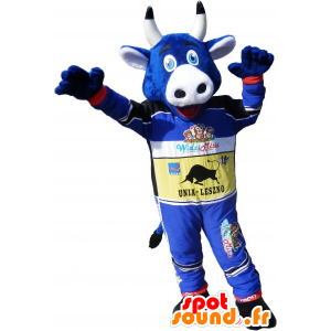 Mascotte de vache bleue en tenue de coureur automobile
