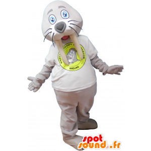 Gris de la mascota de la morsa gigante con una camisa blanca