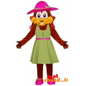 Mascotte de castor avec une robe verte et un chapeau