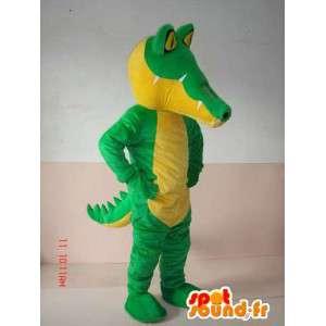 古典的な緑のワニのマスコット - スポーツのスーツのサポート