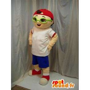 Mascot boy with red cap and green glasses. Street. - MASFR00656 - Mascots boys and girls