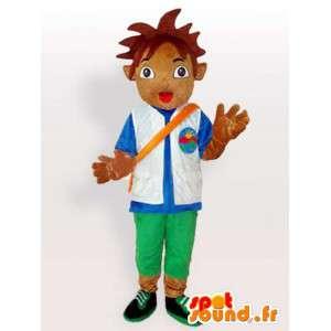 Mascot patrocinador oficial del fútbol.Niño con accesorios