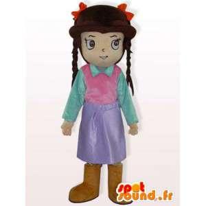 Dívka kostým s copánky - oblečená dívka kostým