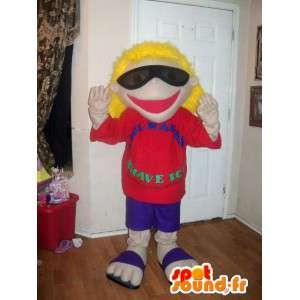 Mascot blond meisje in flip-flops met zonnebril