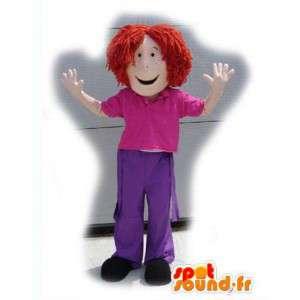 Mascotte de fille rousse habillée en rose et violet