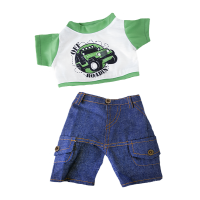 T-shirt blanc et vert et short en jean